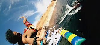 Video superb!!! Vara e distractie la maxim, sarituri in apa de pe balon