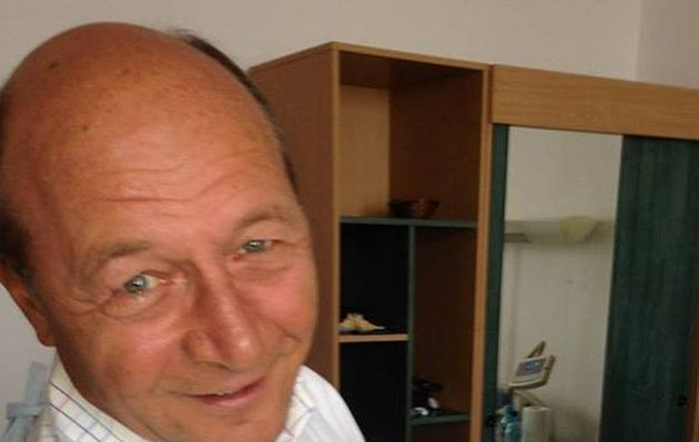 Prima fotografie a lui Traian Băsescu cu nepoata