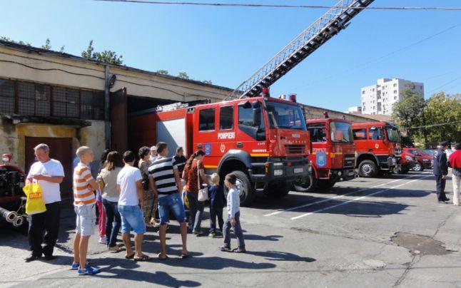 Pompierii sătmăreni îşi vor deschide porţile pentru vizitatori