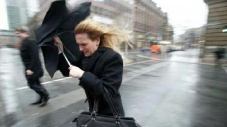 Cod galben de vânt puternic și precipitații în județul Satu Mare