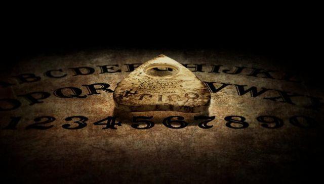 AVERTISMENT CUTREMURĂTOR al preoţilor exorcişti şi al experţilor în paranormal! Ce s-ar putea întâmpla de Crăciun
