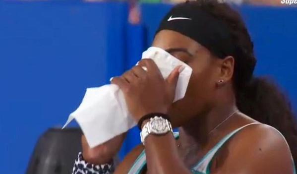 """Incredibil! Ce a cerut Serena Williams în timpul meciului cu Flavia Pennetta: """"L-am întrebat pe arbitru, nu ştiam dacă e regulamentar!"""""""