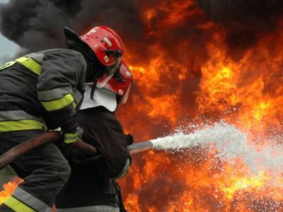Incendiu la o casă de locuit din localitatea Dorolţ