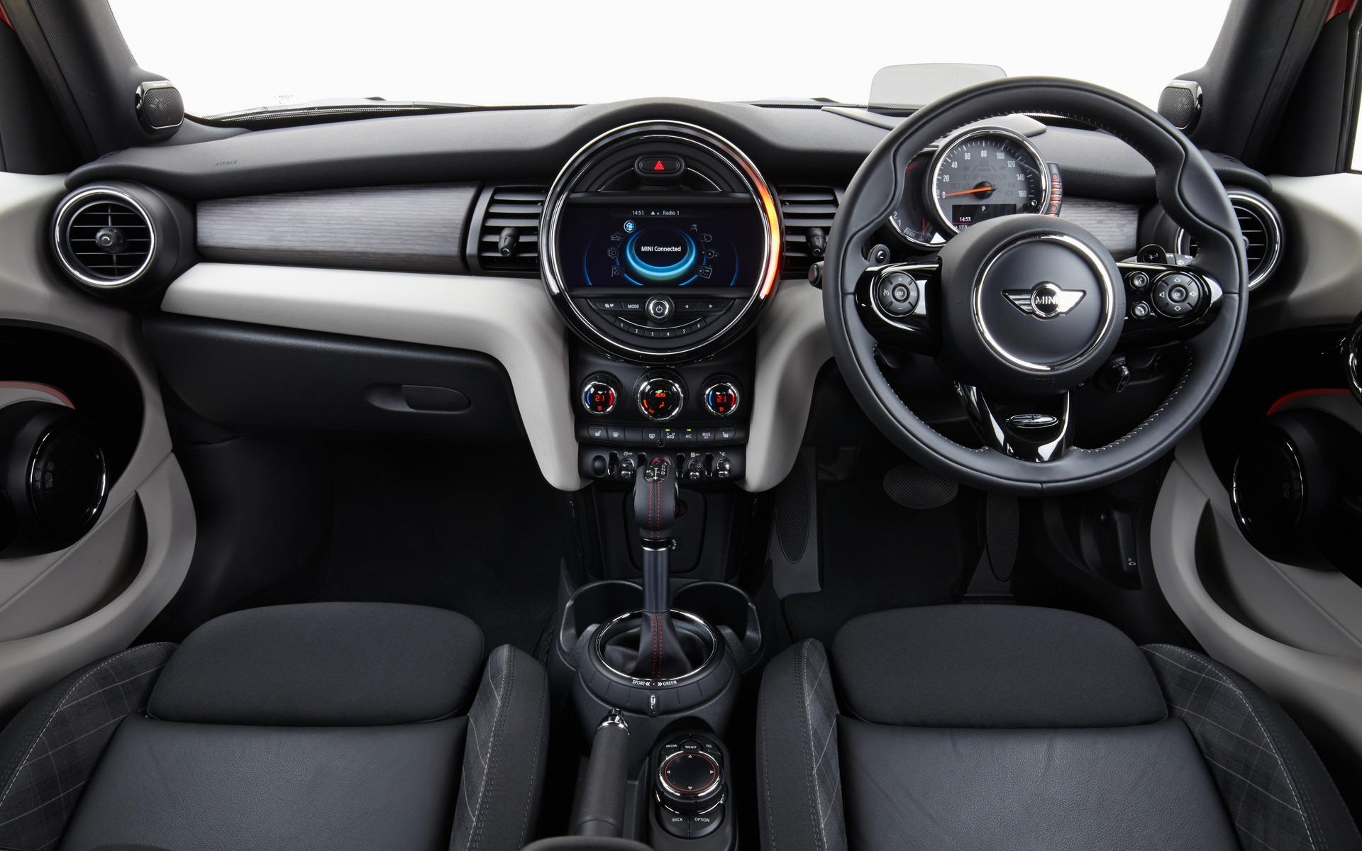 Reguli mai stricte pentru mașinile cu volan pe dreapta