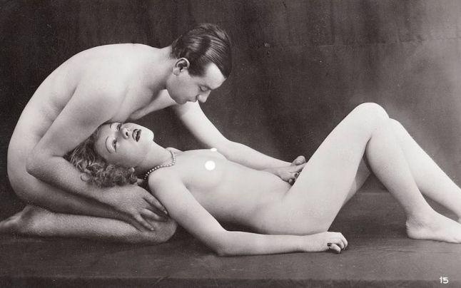 Pornografia din secolele trecute: cum arătau desenele şi ilustratele erotice care ar face să roşească şi o actriţă porno! 18+