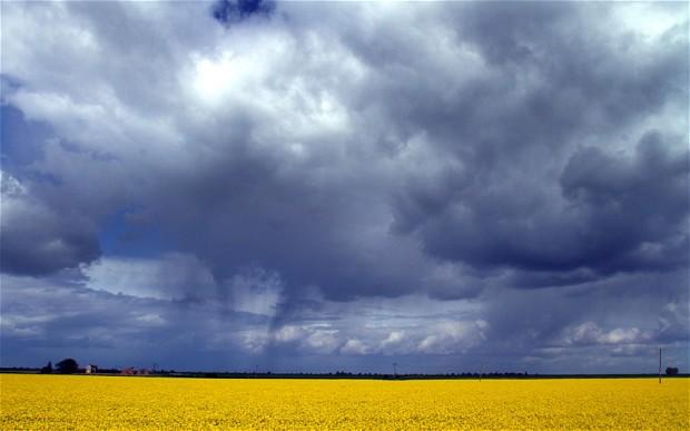 Scad temperaturile și vin ploi. Prognoza meteo pentru Satu Mare