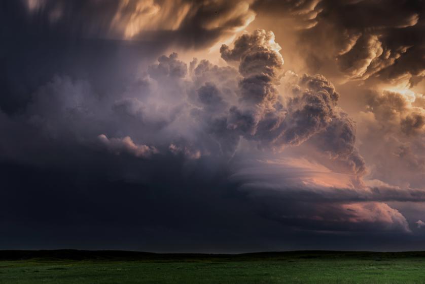 Avertizare de instabilitate atmosferică accentuată şi ploaie până la 40 litri pe mp