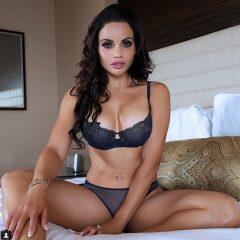 Cea mai sexy polițistă din lume! Toţi infractorii vor să fie arestaţi de ea! FOTO