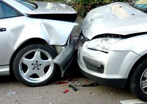 Accident frontal intre doua atoturisme langa localitatea Halmeu