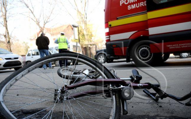 Biciclistă de 73 de ani accidentată grav de un autoturism în Satu Mare