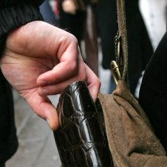 Persoane bănuite de furt identificate de polițiștii sătmăreni