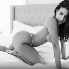 FOTO Definiția erotismului! Un fotomodel stârnește fantezii nelimitate cu ultimul ei pictorial