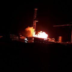 FOTO! Un incendiu de proporții a izbucnit în această noapte la sonda de gaz din Moftinu Mare