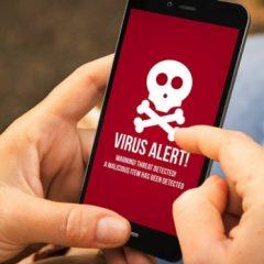 Acesta este cel mai periculos VIRUS descoperit până acum. Telefonul infectat s-a umflat şi A CRĂPAT