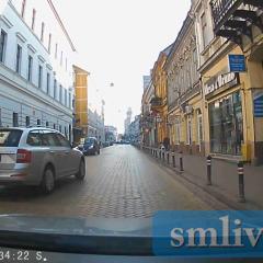 VIDEO! Un șofer grăbit a fost aproape de un accident frontal în Satu Mare