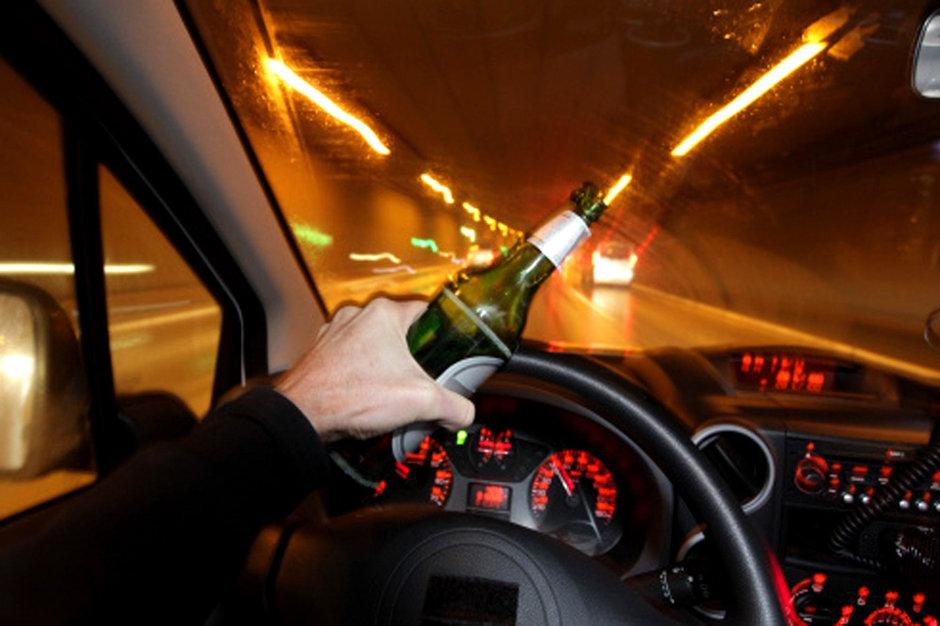 Au băut și s-au urcat la volan! Mai mulți șoferi au fost depistați la volan sub influența băuturilor alcoolice în județul Satu Mare
