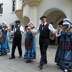 Spectacol de muzică tradițională și dans franțuzesc de neuitat, la Carei