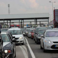 Tranzit intens la punctele de frontiera satmarene in acest weekend