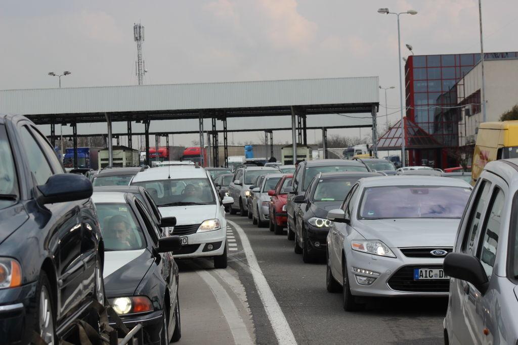 Trafic intens în punctele de trecere a frontierei sătmărene la sfârșitul săptămânii trecute