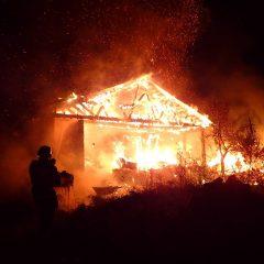 Incendiu la o casă de locuit din Tășnad