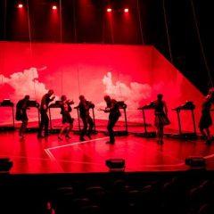 Azi la Teatru: Rețeta perfecțiunii în foarte mulți pași care nu duc nicăieri