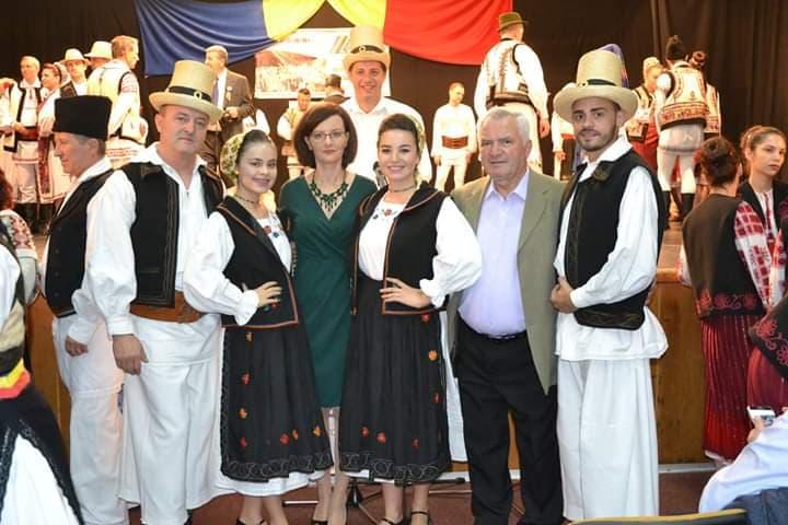 Membrii Ansamblului DORURI SĂTMĂRENE prezenți la Colocviul Național de Coregrafie de la Bușteni