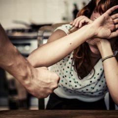 Polițiștii din Negrești-Oaș au emis un ordin de protecție provizoriu împotriva unui bărbat care și-a agresat soția