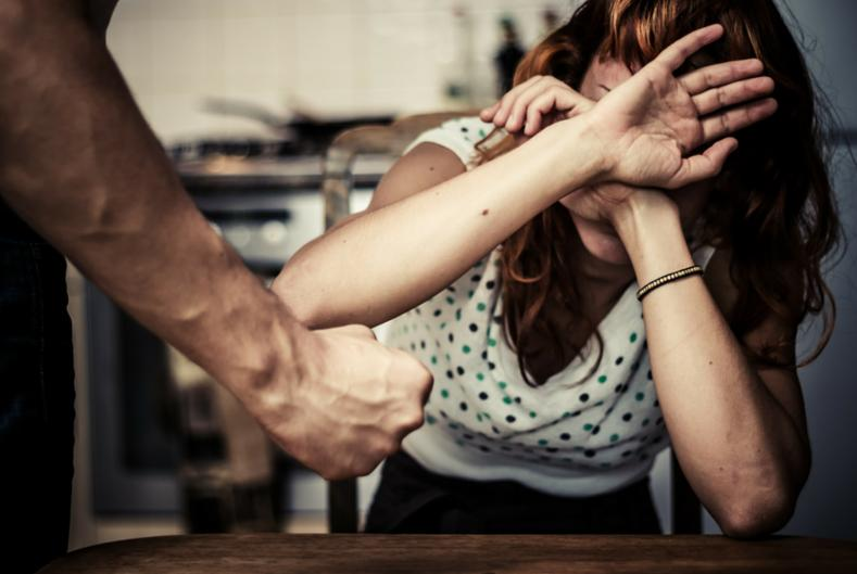 Mesajul zilei din partea Poliției Satu Mare: Violenţa fizică în relaţia de cuplu
