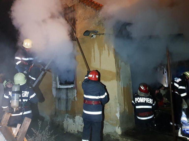 Incendiu la o casă din municipiul Carei în această dimineață