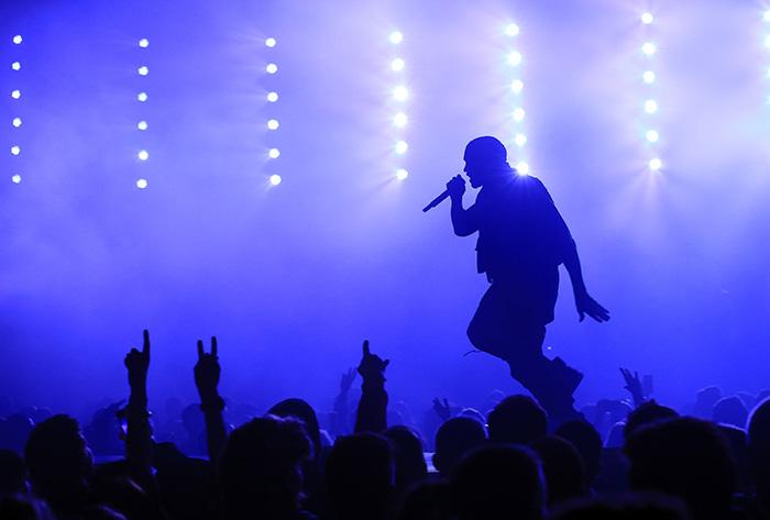 Un rapper celebru a fost arestat la Paris! Starul este acuzat de viol
