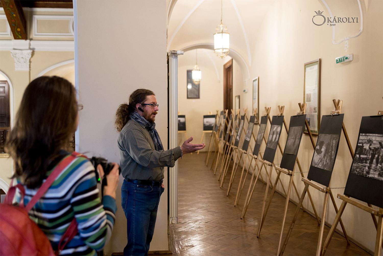 Vernisajul expoziției de fotografie a artistei Nicoleta Gabor din Oradea, la Castelul din Carei