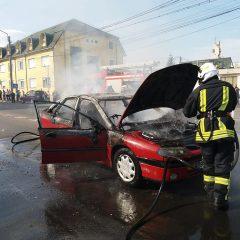 O mașină a luat foc în timpul mersului azi în Satu Mare