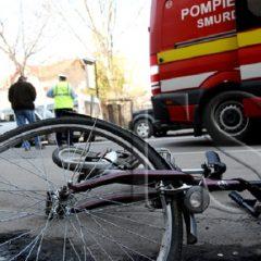 Un sătmărean a fost lovit de o mașină, în timp ce trecea pe bicicletă o trecere de pietoni din municipiul Satu Mare