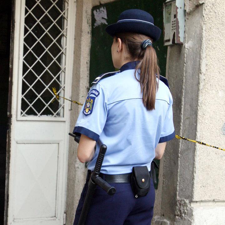 O polițistă din județul Satu Mare a salvat un bărbat care s-a spânzurat, după ce acesta a agresat fizic un alt bărbat