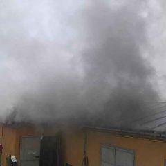 Incendiu la un atelier de confecţii metalice din municipiul Satu Mare