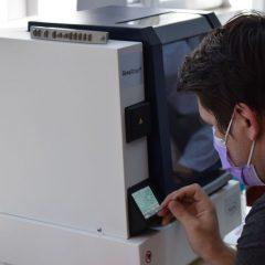 Miercuri, 8 aprilie,la Satu Mare vor fi realizate primele teste cu probele prelevate de la pacienții suspecți de infecția cu SARS CoV-2
