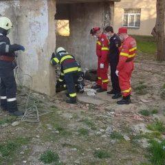 Persoană căzută într-un canal salvată de pompierii sătmăreni