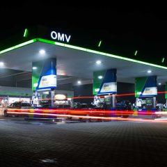 OMV Petrom instalează stații de încărcare pentru mașini electrice în benzinării