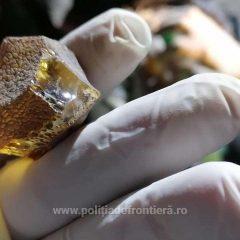 Aproximativ 250 kg de pietre semipreţioase, presupuse a fi chihlimbar, depistate la frontiera cu Ucraina în județul Satu Mare