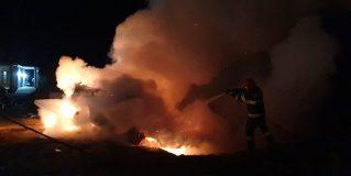 Incendiu la un autoturism în localitatea Gelu